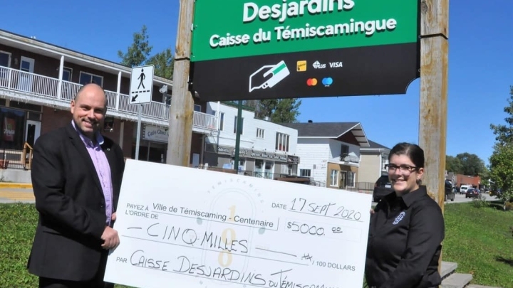 The Caisse Desjardins du Témiscamingue makes a donation of $5000