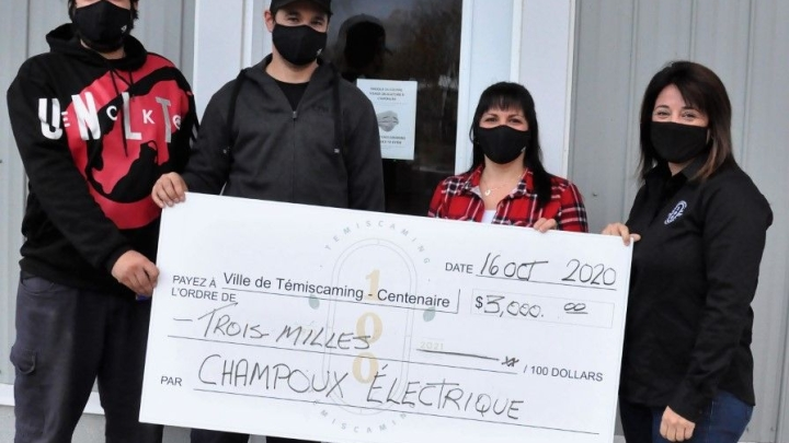 Champoux Électrique makes a donation of $ 3,000